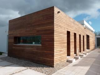 Casa Unifamiliar - Azeitão: Casas  por atelier.dxf,Moderno