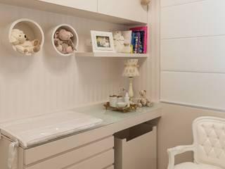 Mímesis Arquitetura e Interiores Nursery/kid's room Engineered Wood White