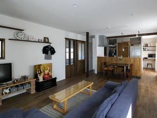 暮らしの中心は2階リビングで: 株式会社スタイル工房が手掛けたです。