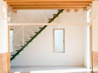 イタリア風 モダンスタイルの 玄関&廊下&階段 の 加藤裕一 / KSA モダン