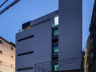 부산 수영구 광안동 다세대주택 by Architects H2L