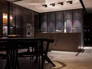 Hidden Kitchen: Cucina in stile  di Piertito Cardillo    Interior | Design | Architecture
