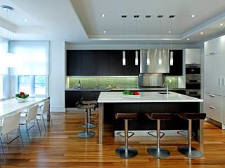 Dapur oleh Douglas Design Studio, Modern