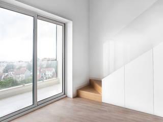Remodelação Apartamento Cividade - Braga: Salas de estar minimalistas por Criat Unipessoal Lda