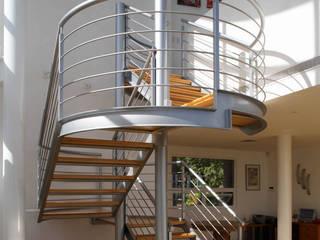 Teocalli: Pasillos y recibidores de estilo  por Álzar