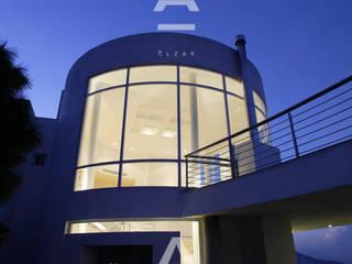 Teocalli: Casas de estilo  por Álzar