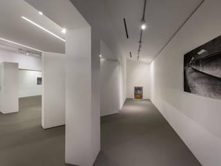 Fost Art Gallery by MinistryofDesign Modern