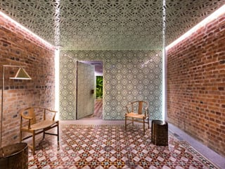 Loke Thye Kee Residences Rustic style hotels by MinistryofDesign Rustic