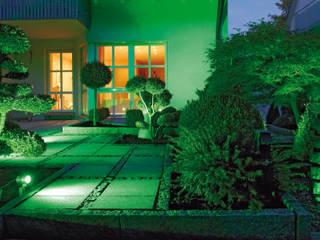 Nowoczesne oświetlenie ogrodu Nowoczesny ogród od Polthera Trading Co. Nowoczesny