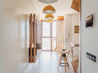 Pasillos, halls y escaleras minimalistas de ADesign Minimalista