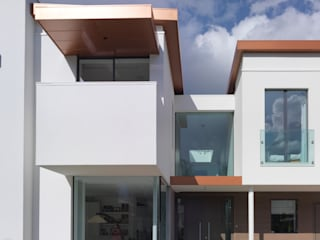 White House 3s architects and designers ltd Casas de estilo moderno