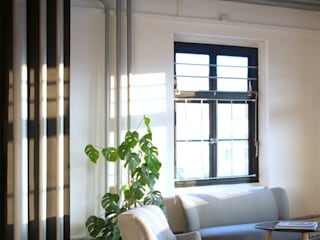 Office Design Modern offices & stores by STUDIO LOUIS Modern