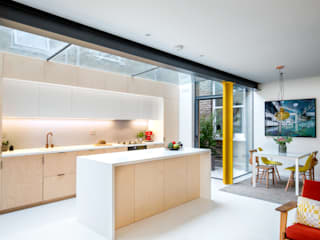Hackney Flat P1:  Kitchen by CCASA Architects