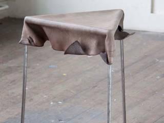 Twee: modern  by STUDIO LOUIS, Modern