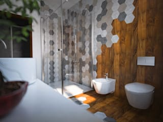 Hexagonal bathroom Bagno moderno di mcp-render Moderno