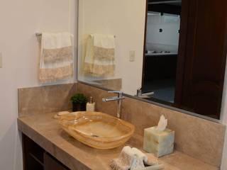 Casa CG: Baños de estilo  por Álzar