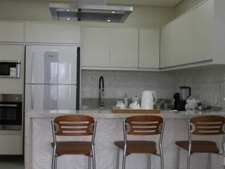 Nhà bếp by Arquiteta Bianca Monteiro