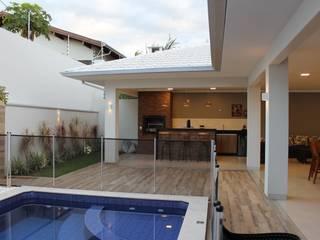 Casas modernas: Ideas, diseños y decoración de Arquiteta Bianca Monteiro Moderno Cerámico