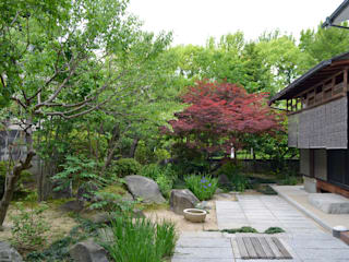 Taman Modern Oleh 大塚高史建築設計事務所 Modern