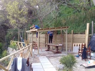 ONLYWOOD Jardines de estilo mediterráneo Madera