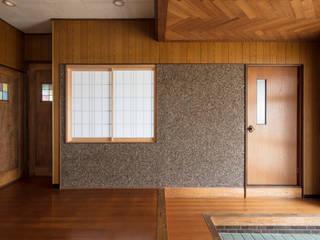 マンナカハウス: m5_architecteが手掛けた廊下 & 玄関です。