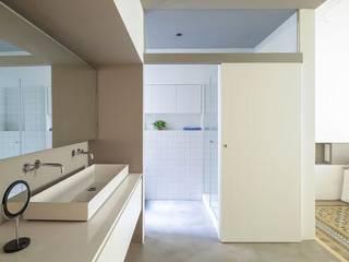 Reforma de estancias Reformas Barcelona Rubio Dormitorios de estilo escandinavo Beige