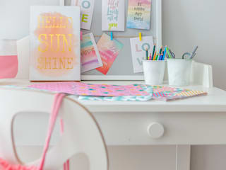 Nursery/kid's room by Decoroom, Scandinavian
