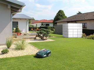 Giardino in stile  di Garten-Q GmbH, Moderno