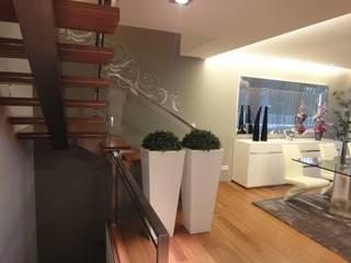Salon moderne par UrbQuality Lda Moderne