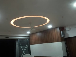 Lifeline Super Specialty Hospital Modern hospitals by SK Interiors And Solutions Modern