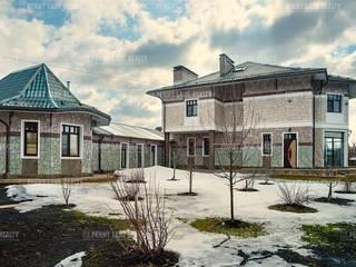 Дом в Беляниново 430кв.м. Дома в эклектичном стиле от Архитектурная мастерская Александра Ордынцева Эклектичный