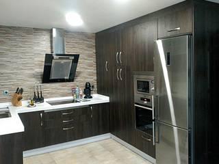 Cocinas de estilo moderno de Potenciano Cocinas Moderno