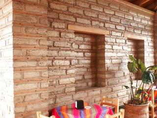 RESTAURANTE LAS BRASAS Gastronomía de estilo rústico de ARQUITECTOS BARRERA OSORIO Rústico