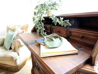 La casa dell'Artista - Home Staging Terni:  in stile  di Creattiva Home ReDesigner  - Consulente d'immagine immobiliare