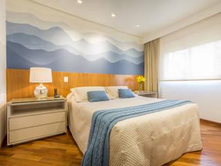 Lorenza Franceschi Arquitetura e Design de Interiores Modern style bedroom Wood Blue
