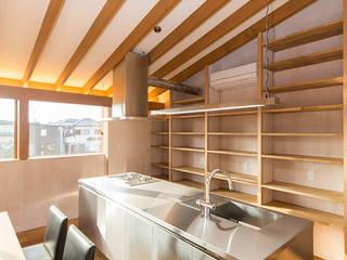 私市のモデルハウス モダンな キッチン の 大塚高史建築設計事務所 モダン