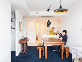 S邸-築浅タワーマンション21階、夜景と水回り重視で再生 モダンデザインの リビング の 株式会社ブルースタジオ モダン