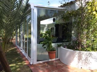Casas de estilo  por Beldaglass - The In & Out experience