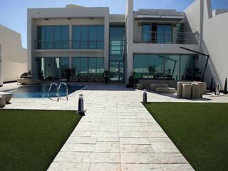 Pavimento Bracara Paredes e pisos modernos por Fabistone Moderno