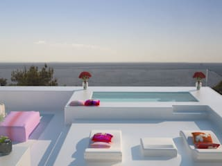 Siesta White House: Terrazas de estilo  de Zucchero Architects