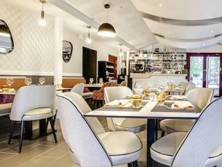 Restaurant La Casa Mia : Restaurants de style  par CONTRAST DECO