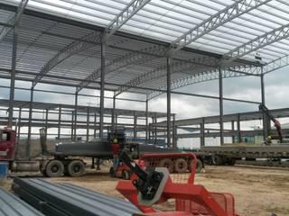 Estructura Metálica: Bodegas de estilo  por CONSTRUCCIONES 2AM S.A.S.