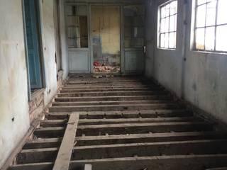Construcción de salón nuevo:  de estilo  por CONSTRUCCIONES 2AM S.A.S.