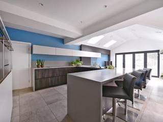Mr and Mrs Marshall's kitchen Modern kitchen by Diane Berry Kitchens Modern