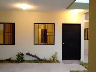 CONSTRUCCIÓN & DISEÑO: Casas de estilo  por 3HOUS