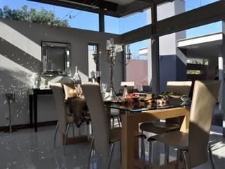 Ruang Makan oleh Karel Keuler Architects, Modern