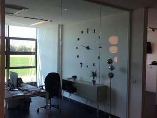Ufficio direzionale: Complessi per uffici in stile  di ZETAOFFICE