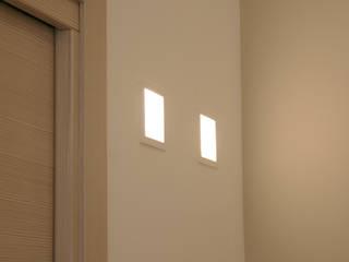 Modern corridor, hallway & stairs by A2pa Modern