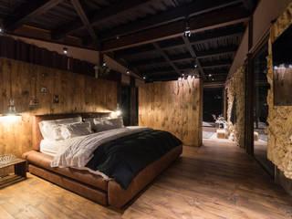 Alcoba principal: Habitaciones de estilo  por OPUS