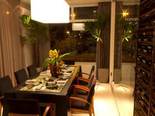 INTERIOR ESPAÇO VIP: Espaços comerciais  por Marcio Pedrico Arquitetura e Interiores